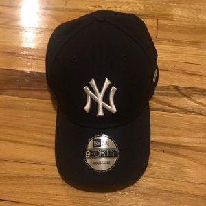 Authentic New York Yankees Baseball Cap